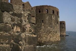 """В XV веке именно это называлось:  """"неприступная крепость""""."""